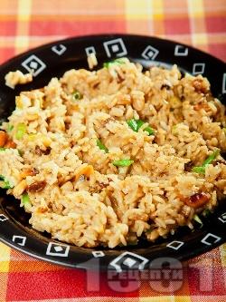 Ориз с банани, фъстъци и къри сос - снимка на рецептата